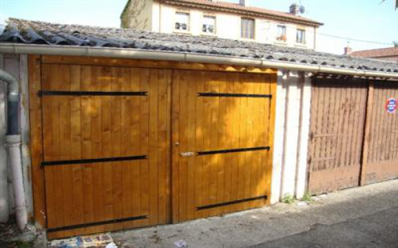 Louez un garage de 8 m rue paul bert lyon for Garde meuble lyon