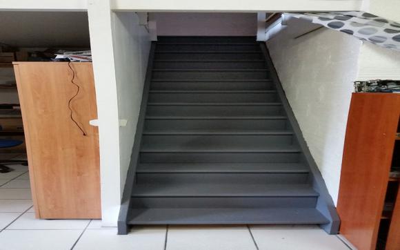 Louez un garde meuble de 10 m avenue de labarde bordeaux for Garde meuble bordeaux